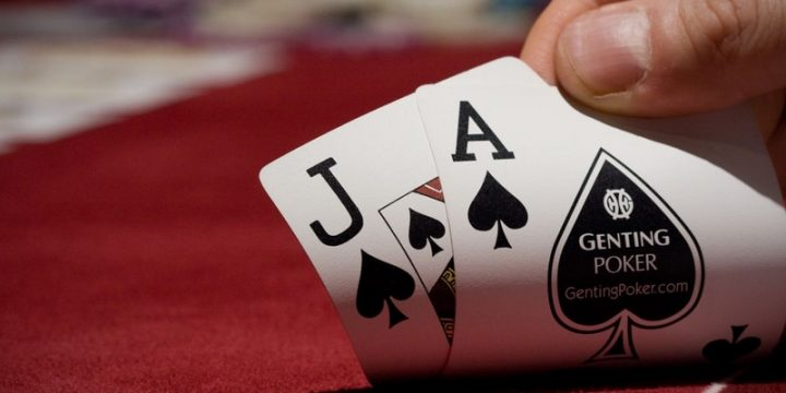 The right time to enjoy poker with online options