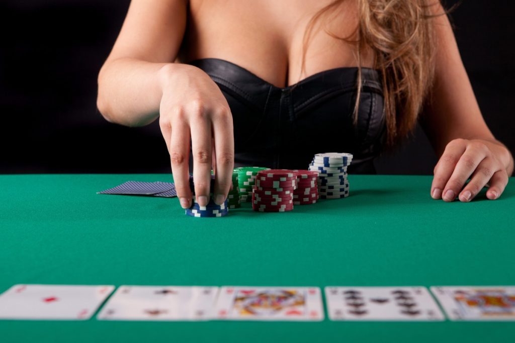 play online poker gambling
